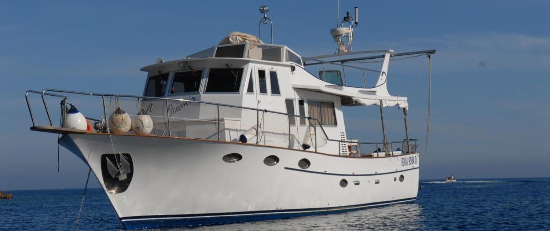 Oceania Trawler 14m bimotore attrezzato per immersioni subacquee e pesca - Oceania Team Escursioni e Immersioni a Ponza, Zannone, Palmarola, Ventotene