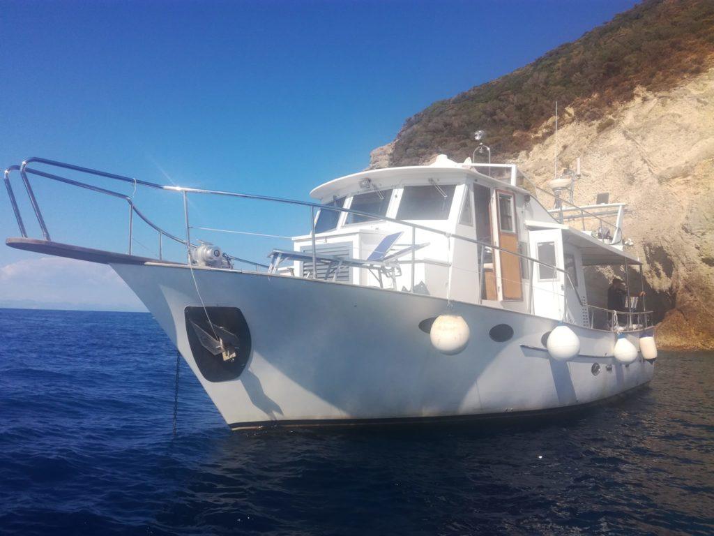 Oceania Trawler attrezzato per immersioni sub