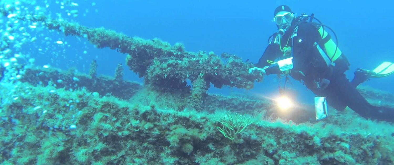 Immersione al relitto lst 349 a Ponza - Isole Pontine - Oceania Team - Escursioni ed immersioni alle Isole Pontine - Ponza Palamarola Zannone Ventotene