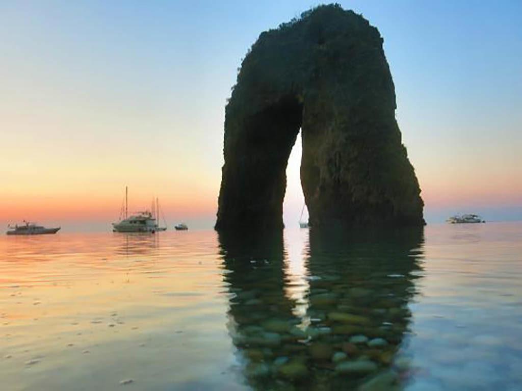 Ponza Arco Naturale Immersioni a Ponza con Oceania