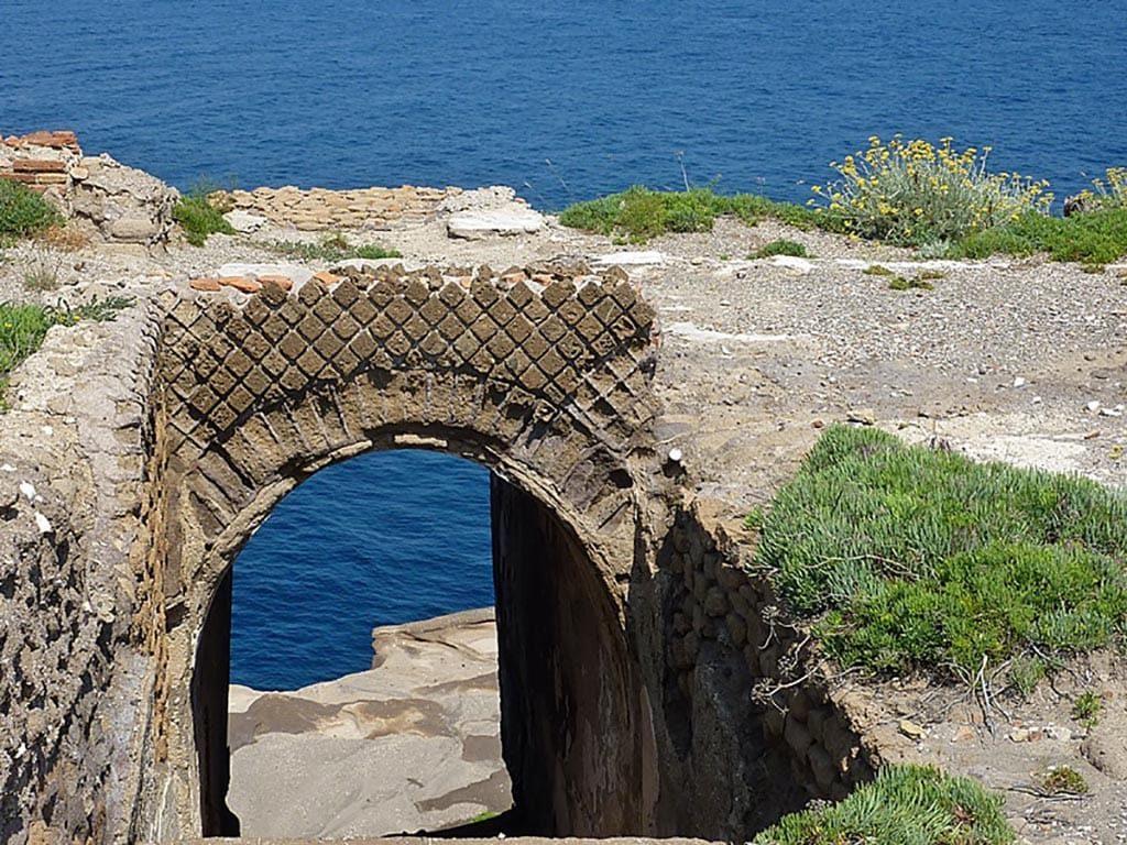 Ventotene Villa di Giulia immersioni a Ventotene con Oceania